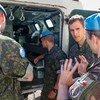 Boinas-azuis da França discutem como podem auxiliar esforços de resgate após explosões