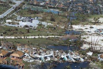 A Guarda Costeira dos EUA apoia os esforços de resposta nas Bahamas após o furacão Dorian.