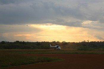 Helicóptero decola de uma base da Monusco, em Beni, Kivu do Norte, para uma missão de reconhecimento