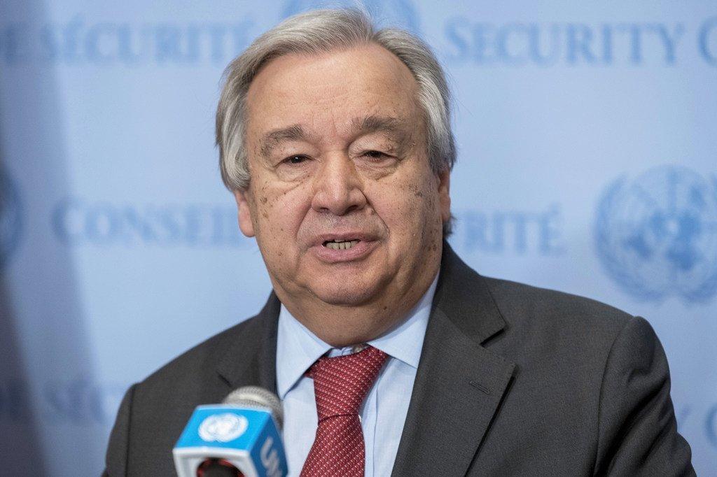Le Secrétaire général de l'ONU, António Guterres, s'adresse aux journalistes au siège de l'ONU à New York.