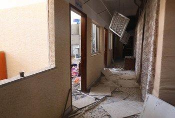 Escuela dañada en un ataque en la localidad de Soug al Jum´aa, al este de Trípoli, Libia.