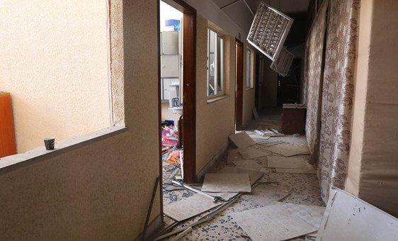 Escola atingida pelo conflito na Líbia.