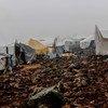 توجد مرافق قليلة في أحد المخيمات الواقعة في إدلب بسوريا التي تأوي الفارّين من القتال.