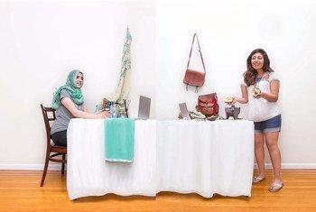 La ONG Kitchen Connection conecta a mujeres de todo el mundo a través del internet, donde ellas pueden aprender sobre su cultura y compartir recetas.