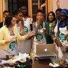 Una clase de cocina en francés para jóvenes de Nueva York, organizada por Kitchen Connection.