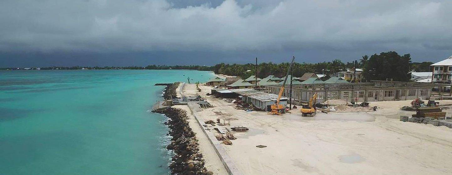 L'archipel de faible altitude Tuvalu, dans l'océan Pacifique, récupère des terres pour lutter contre les effets du changement climatique.