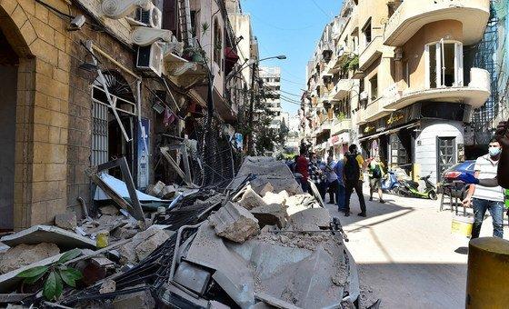 A explosão em Beirute causou muitos danos em bairros residenciais