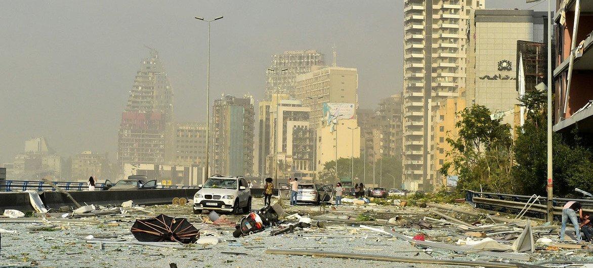 Обширные территории Бейрута стали непригодными для жизни в результате взрыва.