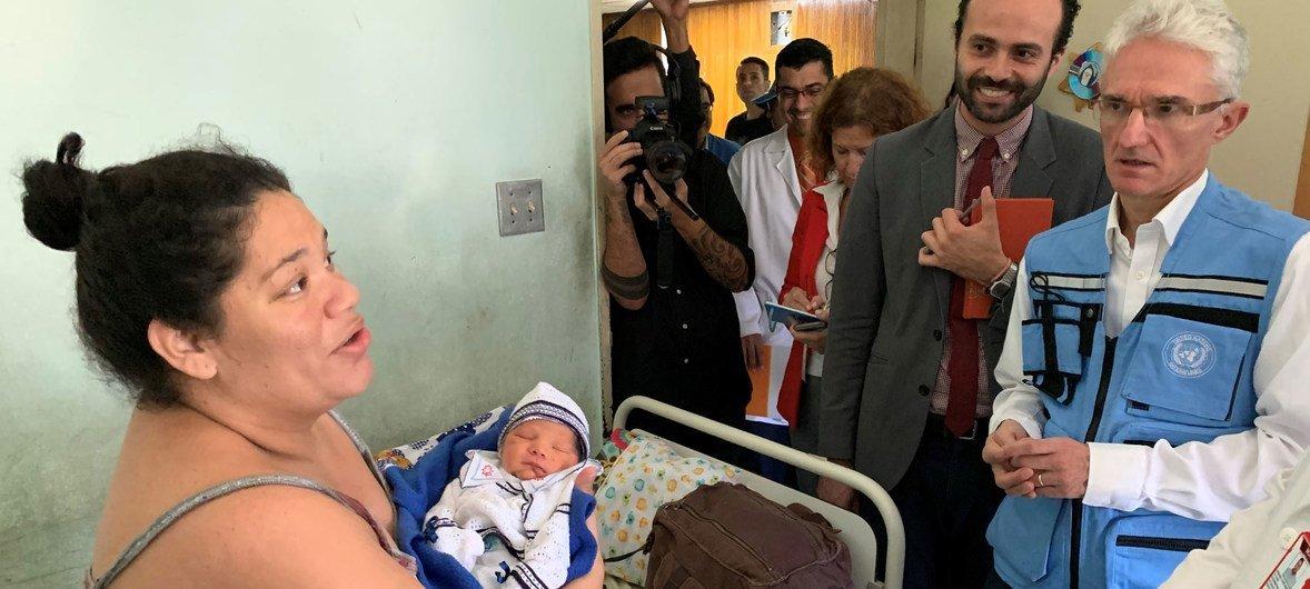 El coordinador de la ayuda de emergencia de la ONU visita un hospital en Caracas que atiende las necesidades sanitarias de un millón de personas.