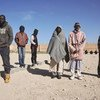 Recuento de hombres en un centro de detención en la ciudad libia de Benghazi.