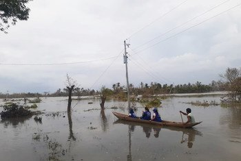An IOM team on the ground in Camarines Sur, one of the regions badly hit by Typhoon Goni.