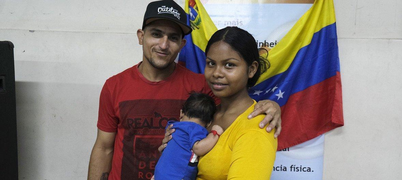 Autoridades brasileiras estimam que cerca de 224 mil venezuelanos vivem atualmente no país.