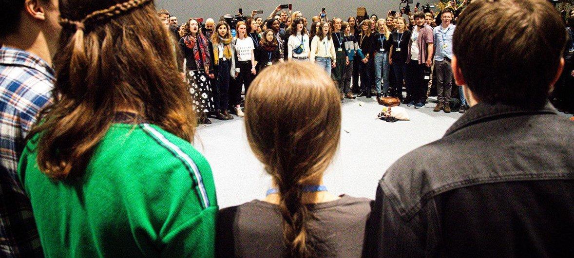 Lors de la conférence des Nations unies sur le climat à Madrid, Greta Thunberg s'est jointe à d'autres jeunes militants pour exiger une action urgente en faveur du climat.