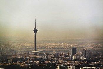 برج ميلاد في طهران، إيران.