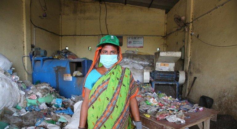 कंचन नेसा उत्तर प्रदेश के गाज़ियाबाद शहर में एक सफ़ाई कर्मचारी हैं.