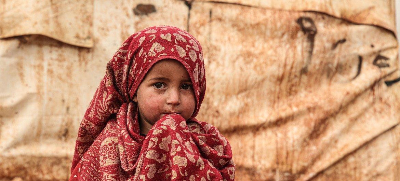 Una niña en el campo de desplazados internos de Khair Al-Sham en Siria.