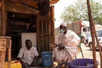 Deux habitants de Niamey, la capitale du Niger