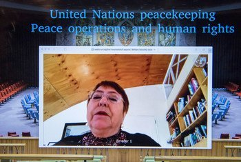 联合国人权事务高级专员米歇尔·巴切莱特在一次公开视频会议上向安理会成员强调了人权在维持和平行动中的重要性。