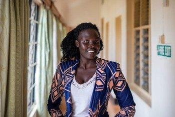 埃斯特(Esther)是乌干达坎帕拉一所大学商业专业的三年级学生。