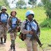 Des femmes Casques bleus d'Afrique du Sud en patrouille en République démocratique du Congo.