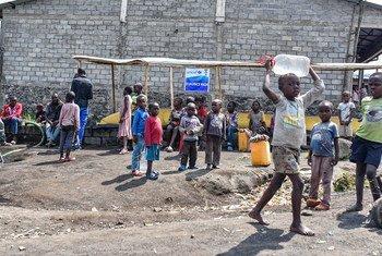 أطفال نازحون في إقليم كيفو الشمالي بجمهورية الكونغو الديمقراطية.