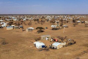 В Буркина-Фасо лагеря беженцев и внутренне перемещенных лиц нередно подвергаются нападениям экстремистов.