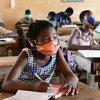 Wanafunzi waliporejea darasani katika shule ya msingi San Pedro Kusini Magharibi mwa Côte d'Ivoire.