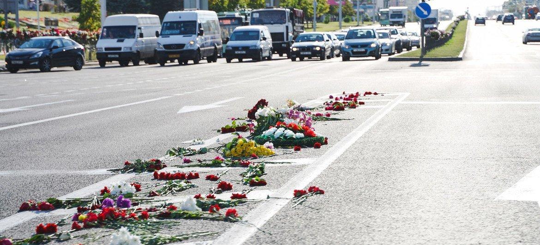 अगस्त 2020 में मिन्स्क और बेलारूस के अन्य शहरों में सामूहिक प्रदर्शनों के दौरान पुलिस ने अत्यधिक बल का प्रयोग किया है.