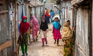 Families living in urban slums in Dhaka, Bangladesh, are being provided with emergency support during the COVID-19 pandemic.