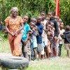 En Ouganda, les activités de développement de la petite enfance au centre Busheka (dans le district d'Isingiro) inclut des jeunes du camp de réfugiés d'Oruchinga et aident ces derniers à développer des compétences critiques.