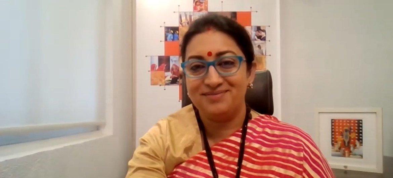 स्मृति ईरानी, भारत सरकार में केन्द्रीय कपड़ा मन्त्री और महिला व बाल विकास मन्त्री हैं.