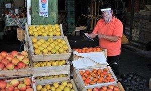 les produits alimentaires dangereux peuvent avoir des répercussions négatives sur la santé publique, le commerce et l'économie
