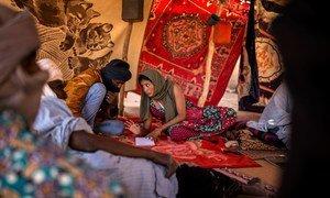 Afisa wa haki za binadamu anayefanya kazi katika kitengo cha kulinda amani ya  Umoja wa Mataifa huko Mali anachunguza tukio lililoripotiwa katika mkoa wa Menaka.