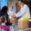 أدخل برنامج الأغذية العالمي تدابير احتواء كوفيد-19 التي تحد من حركة الأشخاص، لضمان حصول الناس على مستحقاتهم بأمان قدر الإمكان، في سوريا.
