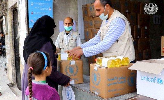 Ajuda sendo entregue na Síria durante pandemia