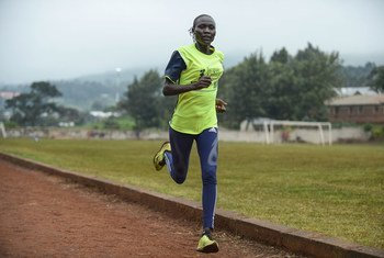 Mkimbizi kutoka Sudan Kusini akiwa NairobI, Kenya kwa ajili ya mazoezi ya mbio na kujiandaa kushirikia michezo ya Olimpiki2020.