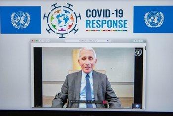 """美国国家过敏和传染病研究所主任安东尼·福奇在一次关于""""通过创新和研究抗击2019冠状病毒病""""的在线对话中发表讲话。"""