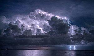 改进预测手段可以帮助防范极端天气事件。