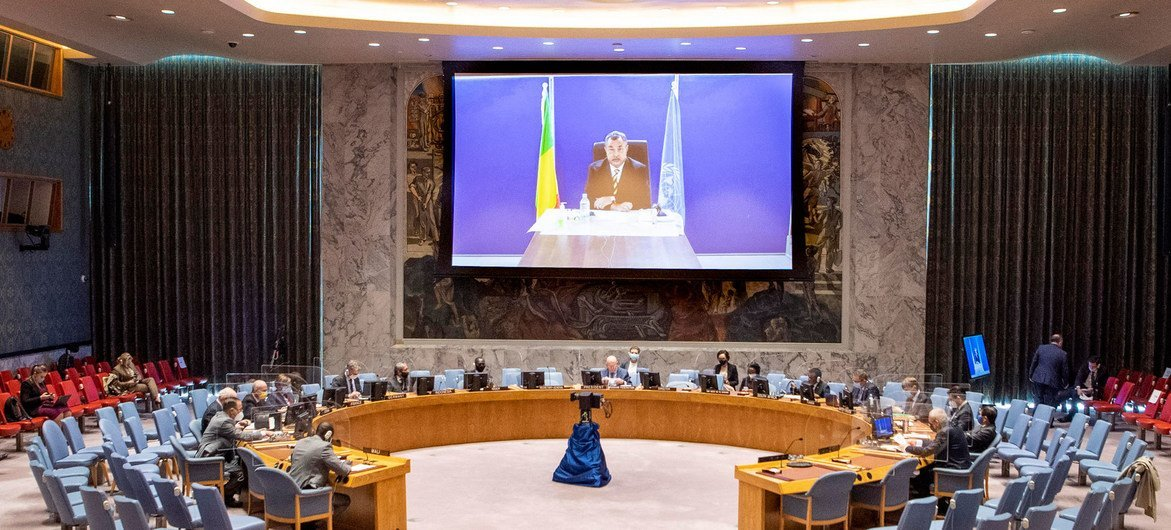 Mahamat Saleh Annadif (on screen), Special Representative and Head of the UN Stabilization Mission in Mali (MINUSMA), briefs the Security Council meeting on the situation in the country, the first in the chamber since March, due to COVID restrictions.