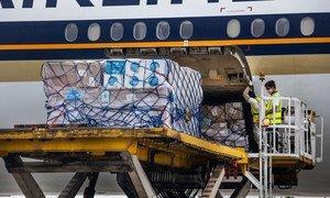 Крупнейшие авиакомпании помогут ЮНИСЕФ доставить вакцины от коронавируса в десятки стран.