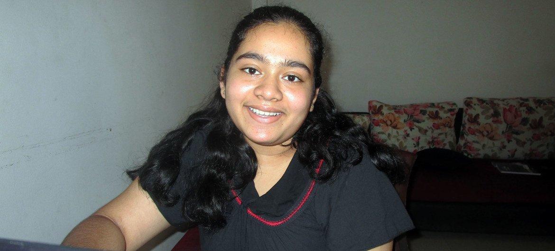14 वर्षीय दियाथमा, श्रीलंका के महारगमा में कक्षा 9 की छात्रा हैं.