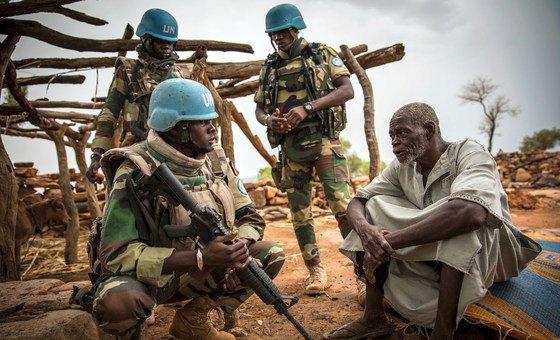 Boinas-azuis do Senegal em exercícios da Minusma