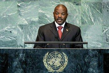 Rais Pierre Nkurunziza wa Jamhuri ya Burundi, akihutubia kikao cha 66 cha Mkutano Mkuu wa Umoja wa Mataifa mnamo Septemba, 2011.