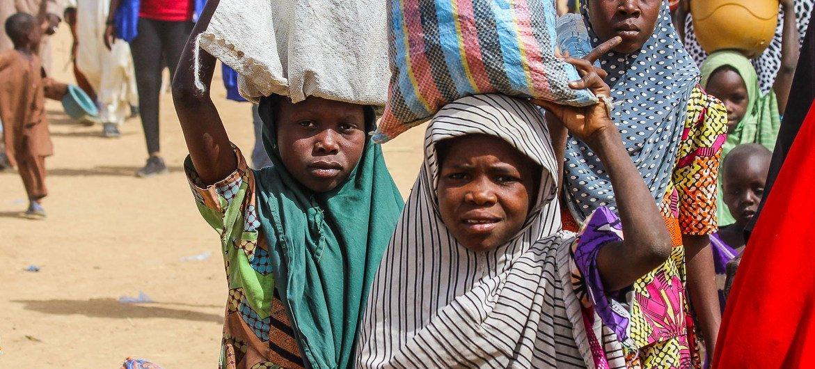 Crianças em campo de deslocados internos em Maiduguri, Borno, na Nigéria.