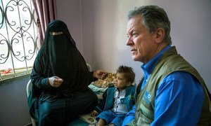 World Food Programme Executive Director, David Beasley, visits the Al Sabeen maternal hospital in Sana'a, Yemen.