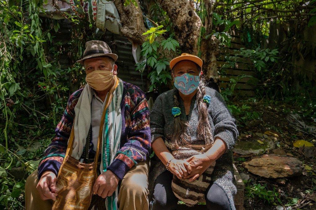 Wizara ya Afya ya Bogotá imetuma muuguzi kwenda katika eneo la Suba, kaskazini mwa Bogotá , Colombia kuwahudumia watu wa jamii za asili.