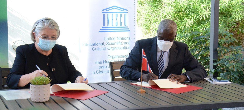 Na assinatura do memorando, o representante da Unesco em Moçambique, Paulo Gomis, elogiou apoio da Noruega