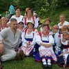 रूस में इज़होर नामक आदिवासी जनसमूह के लोगों ने अपनी भाषा और परंपरा को सहेजकर रखा है.
