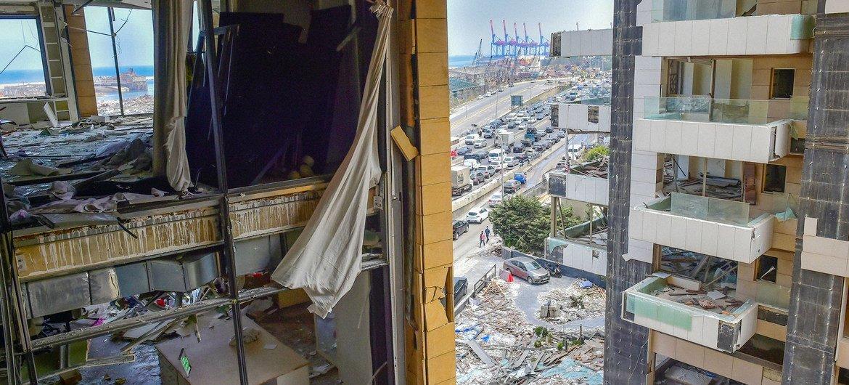 बेरूत में 4 अगस्त 2020 को हुए विस्फोट से इमारतों को भारी नुक़सान हुआ है.