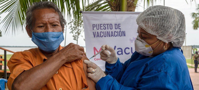 Comunidade indígena na Colômbia em campanha de vacinação contra Covid-19